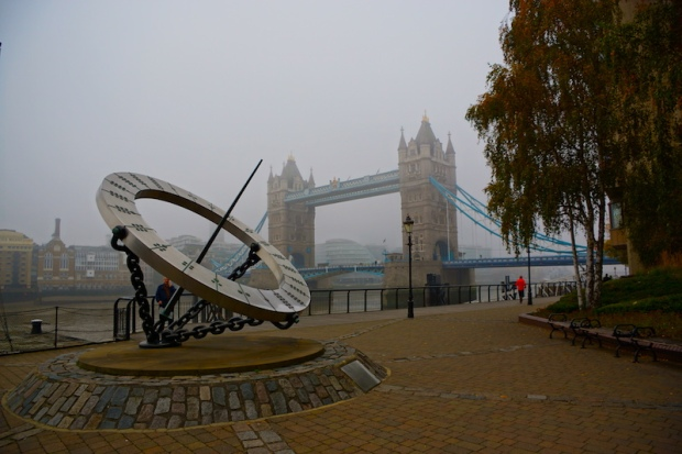 tower-bridge-im-nebel